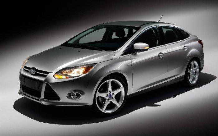 a48fe81ed45 Safety regulators are looking into more than 70 consumers  complaints that  doors don t latch properly on Ford Focus models. One person reported being  ...