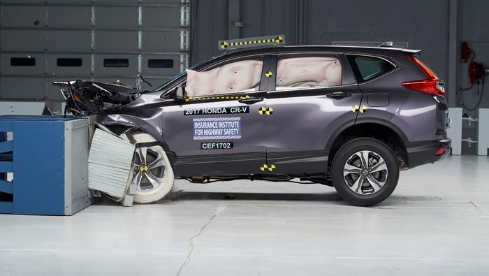 Honda CR-V earns IIHS TOP SAFETY PICK+ award