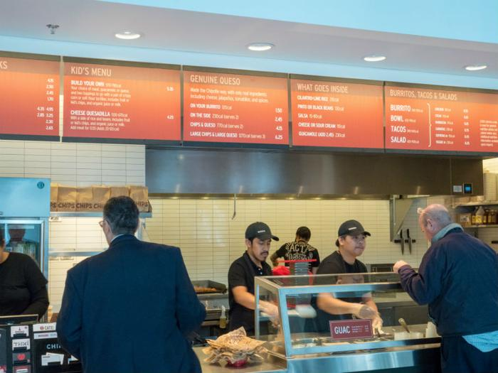 Chipotle shuts OH  restaurant after reports of illness
