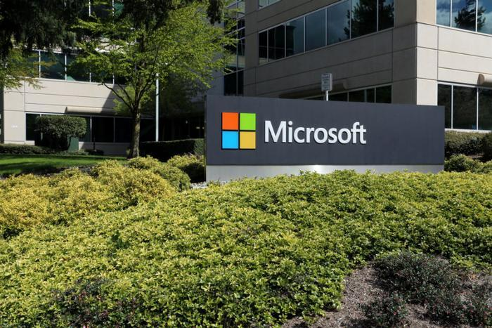 Microsoft 10 users report performance problems after