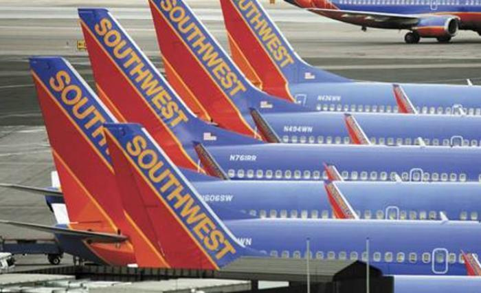 cadaf37c35c2 Southwest Airlines faces  328