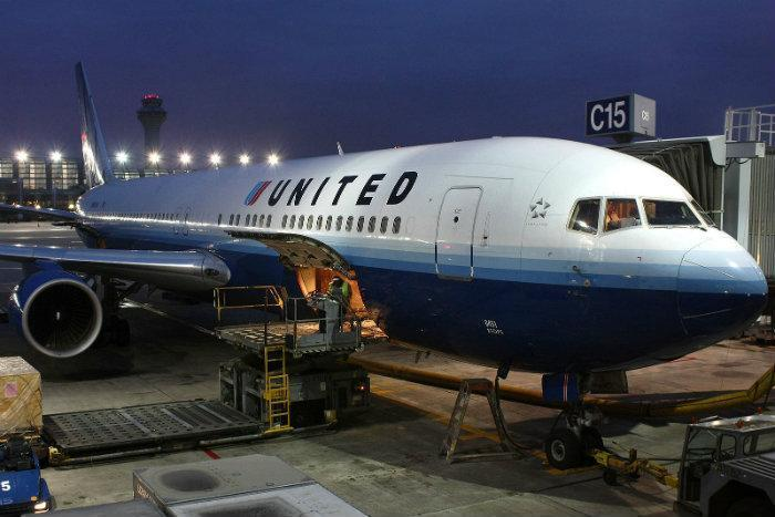 United Airlines has been fined $2.75 million for its treatment of disabled  passengers and for lengthy tarmac delays.