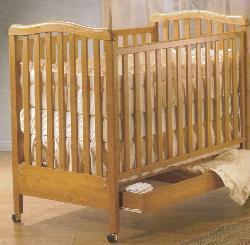 Picture of Recalled Rosa Model Number 870 Crib