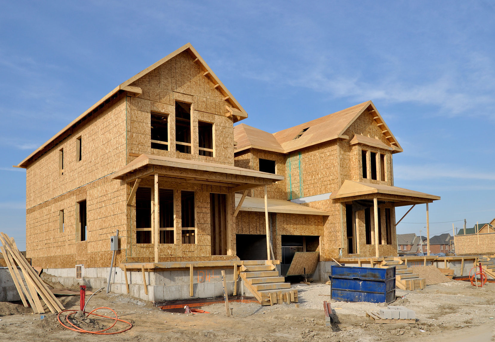 New home construction plunges in september for Home builder contractors