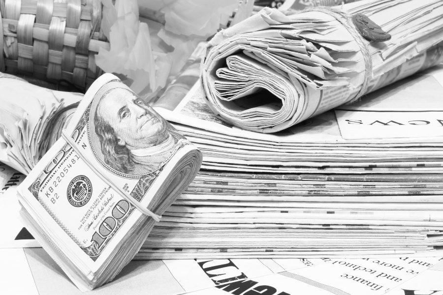 Resultado de imagen de money newspapers