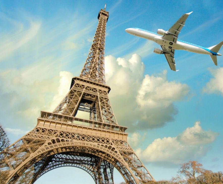 Paris Terror Attacks Strike Fear Into Tourism Industry
