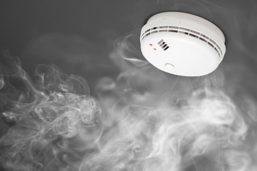 Do Your Smoke Detectors Need To Be Replaced Here S How To Tell
