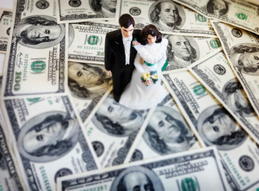 How Much Should Your Wedding Gift Cost