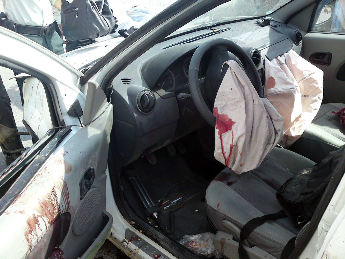 Airbag Bloody Mohsan Dabiri E Vaziri Wikimedia on 2009 Dodge Dakota Recall