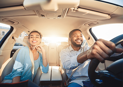 couple renting car