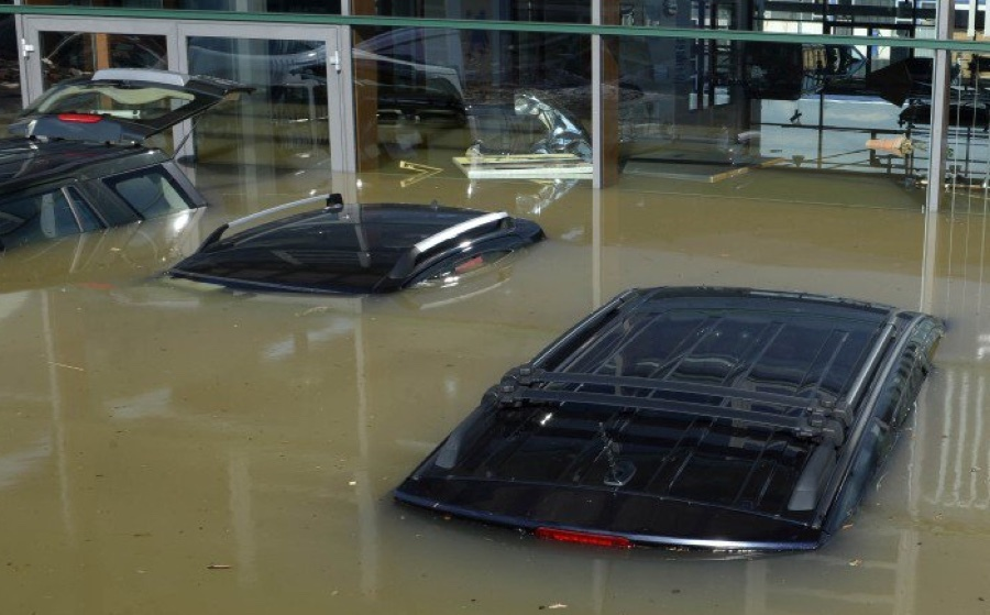 flooded louisiana cars may wash up on used car lots. Black Bedroom Furniture Sets. Home Design Ideas