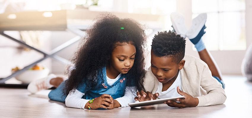 kids sharing ipad