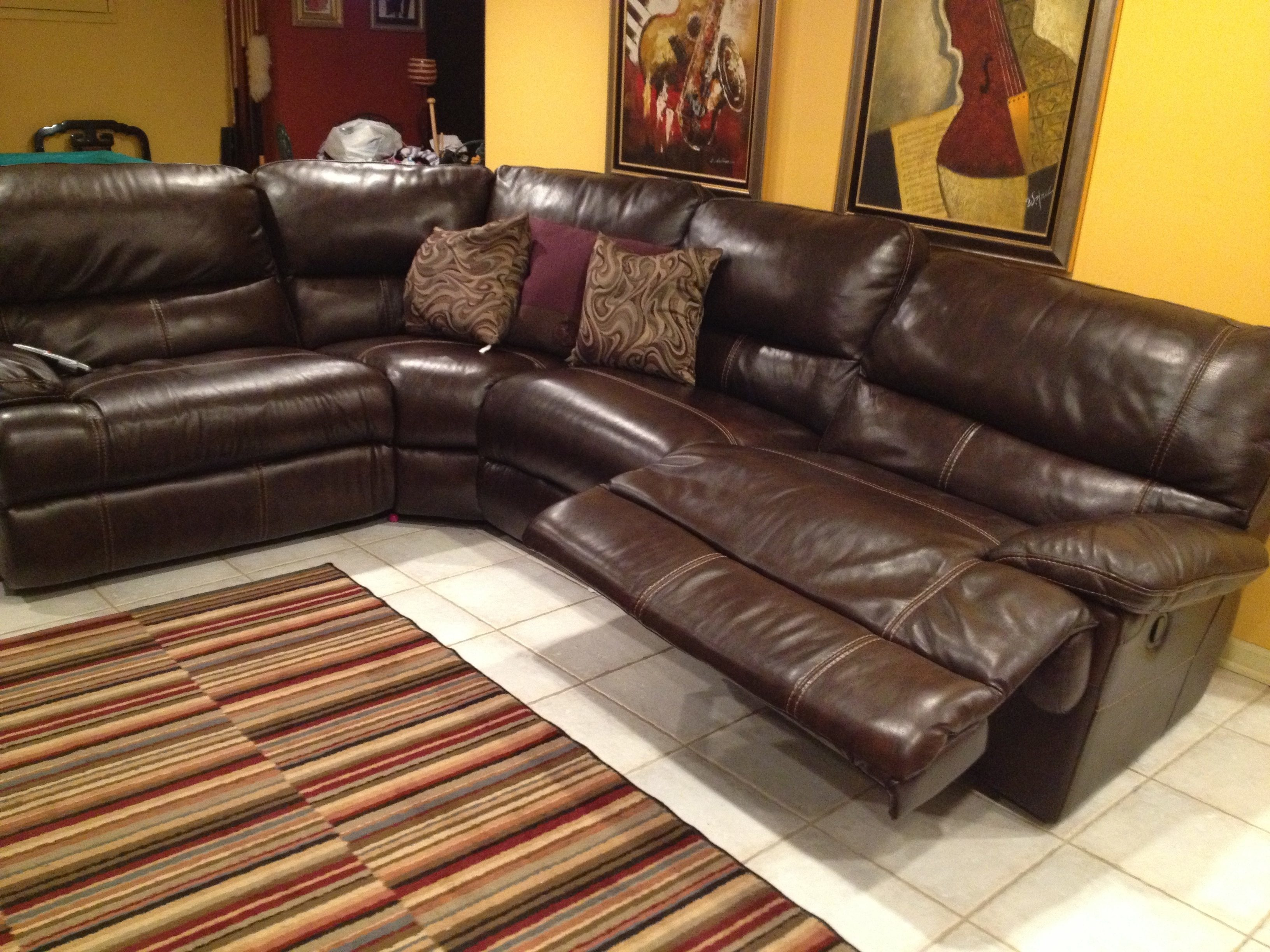 Leather sofa ratings leather furniture reviews top brands for Rate furniture brands