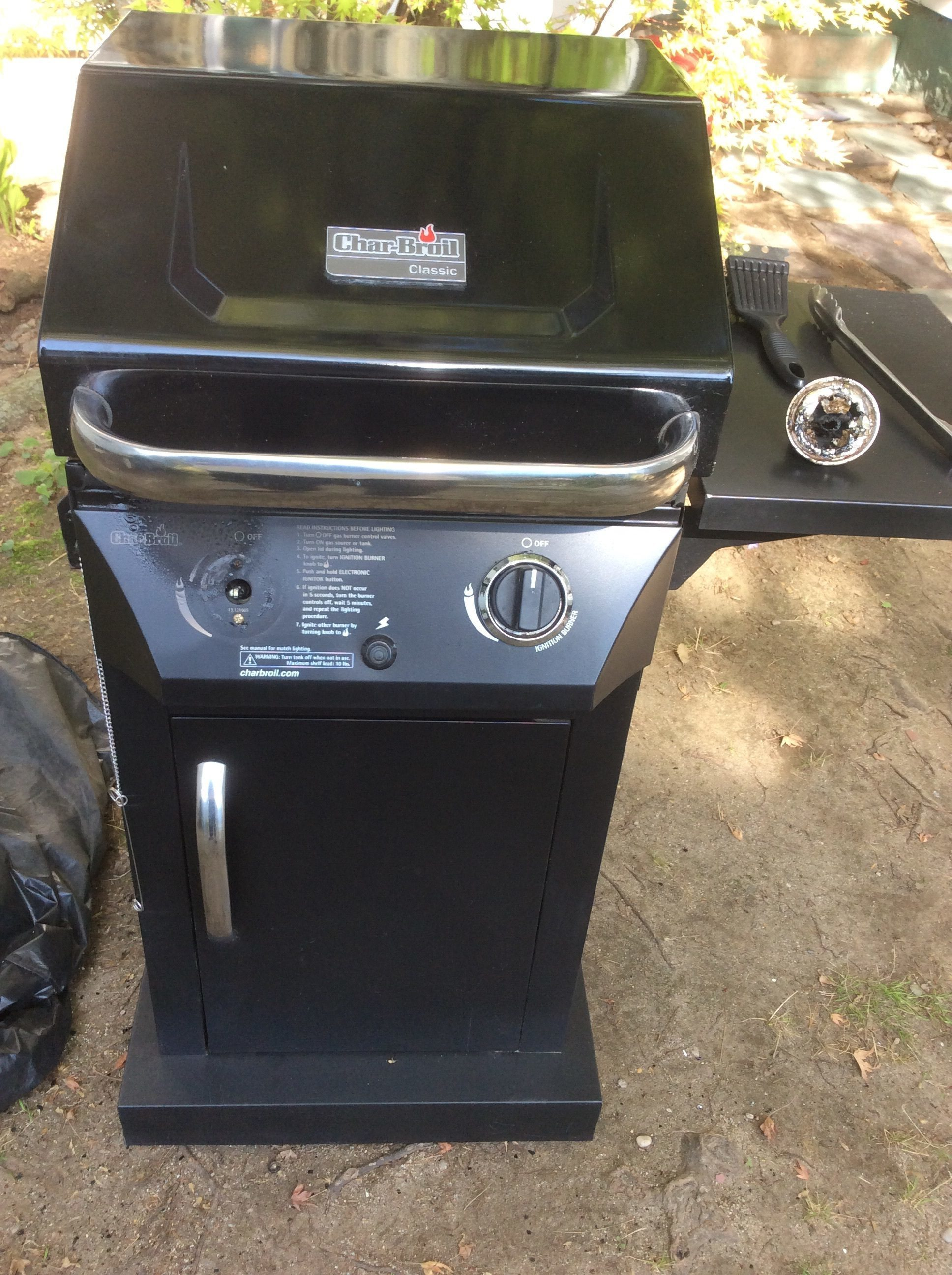 Char broil commercial series gas grill - Bought The Grill And Have Used It Maybe A Dozen Times The Grill Is Just Like Brand New Turned It On And It Started Smoking I Went To Turn The Knob Off