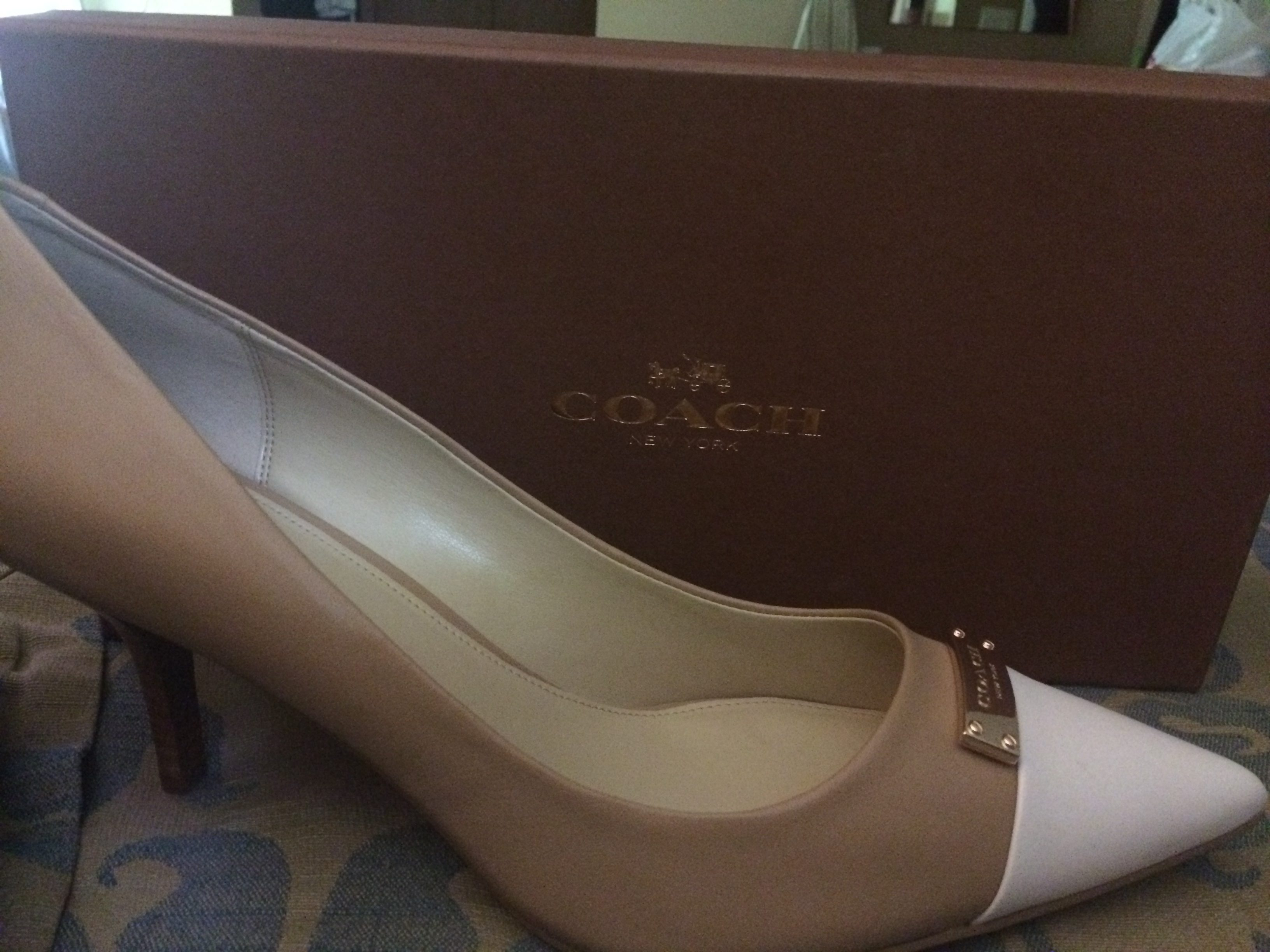 Dsw - I Purchased A Pair Of Coach Ladies Pumps At Dsw In Riverhead New York When I Got Home I Decided That I Really Liked The Shoes And Wanted A Second Pair