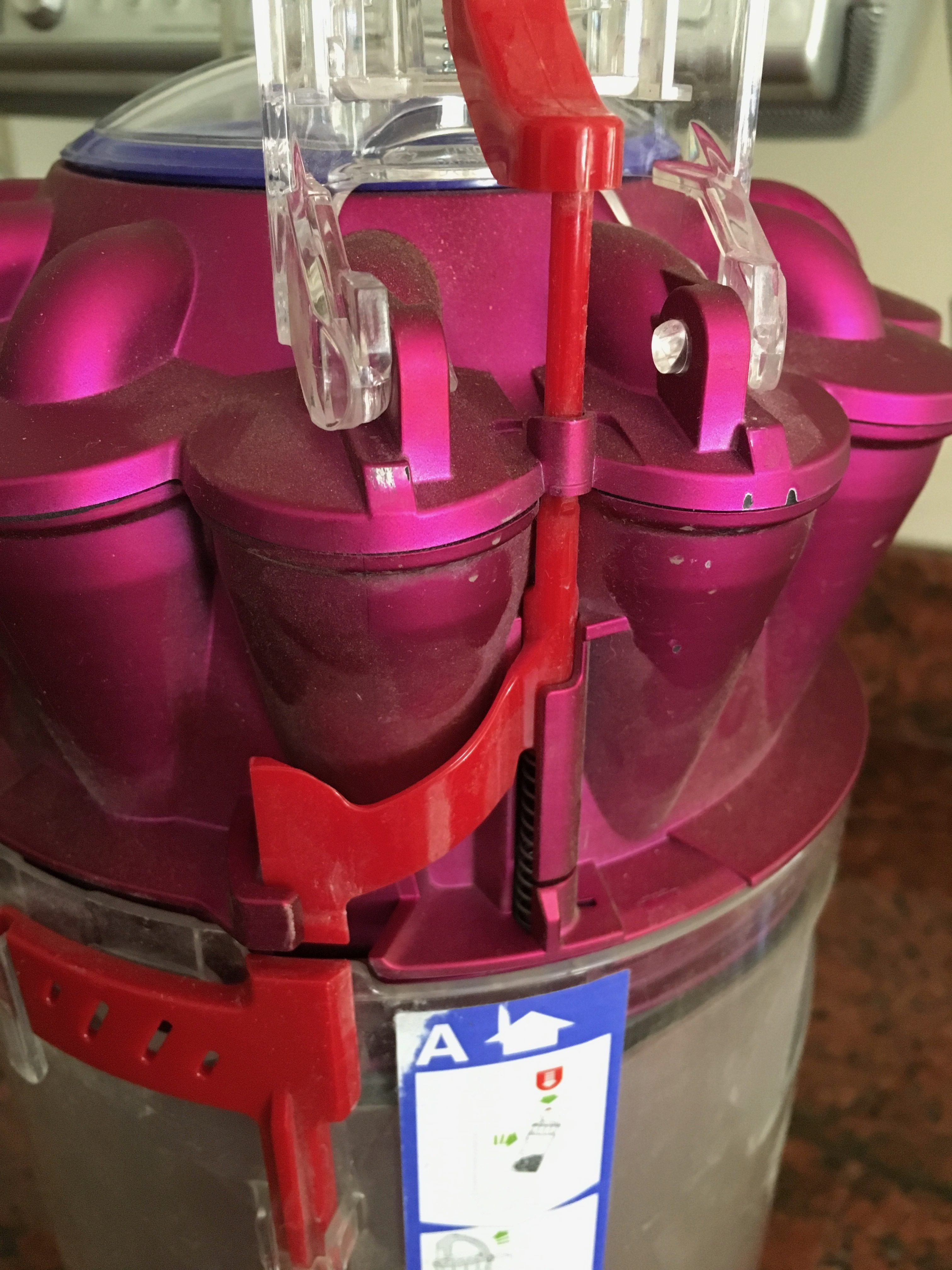 Dyson vacuum cleaners at bed bath and beyond - It Is Falling Apart The Plastic Breaks Easily And Repairs Are Costly This Is Probably The Worst Vacuum Cleaner My Family Has