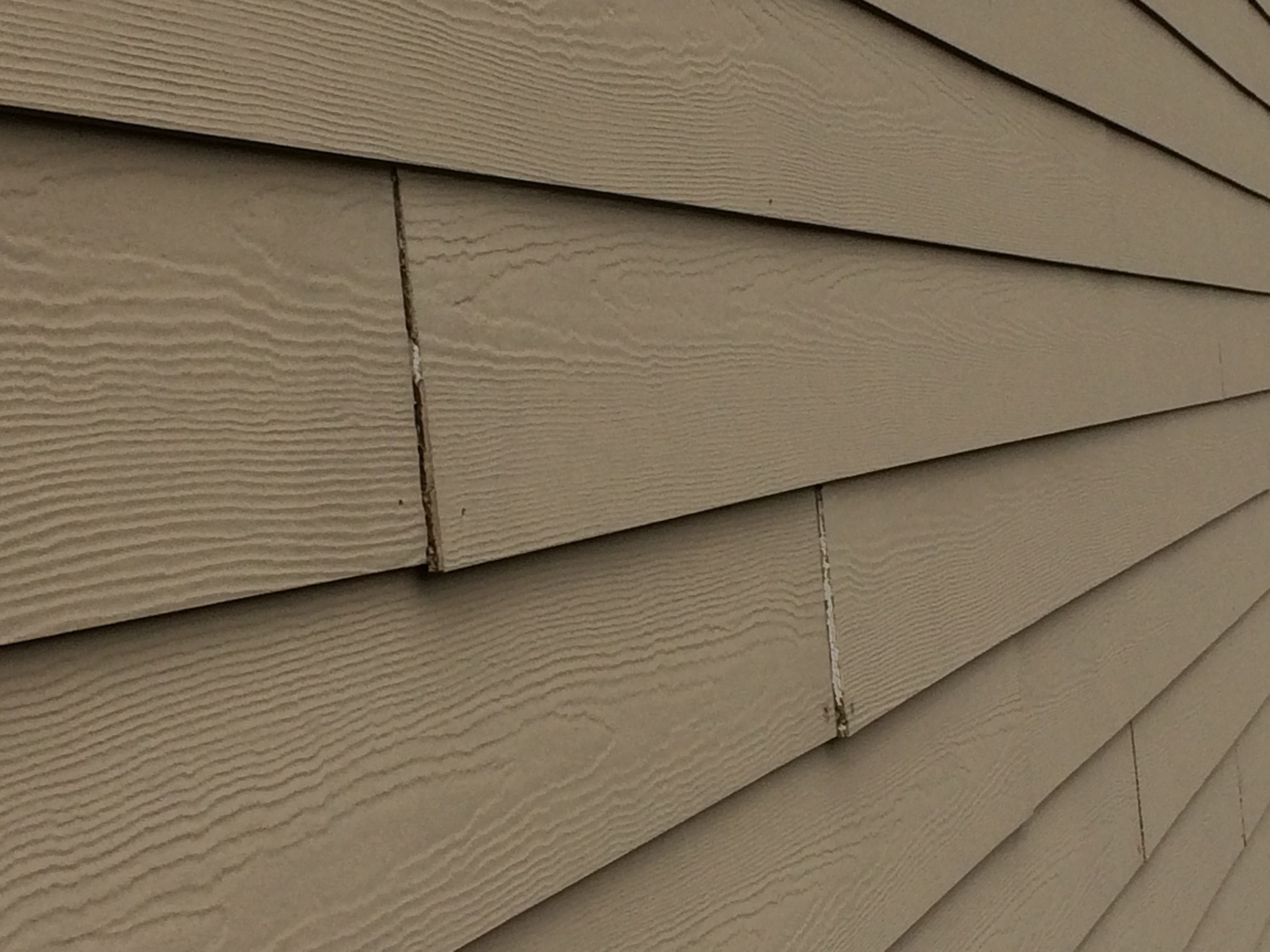 Vinyl siding that looks like cedar planks