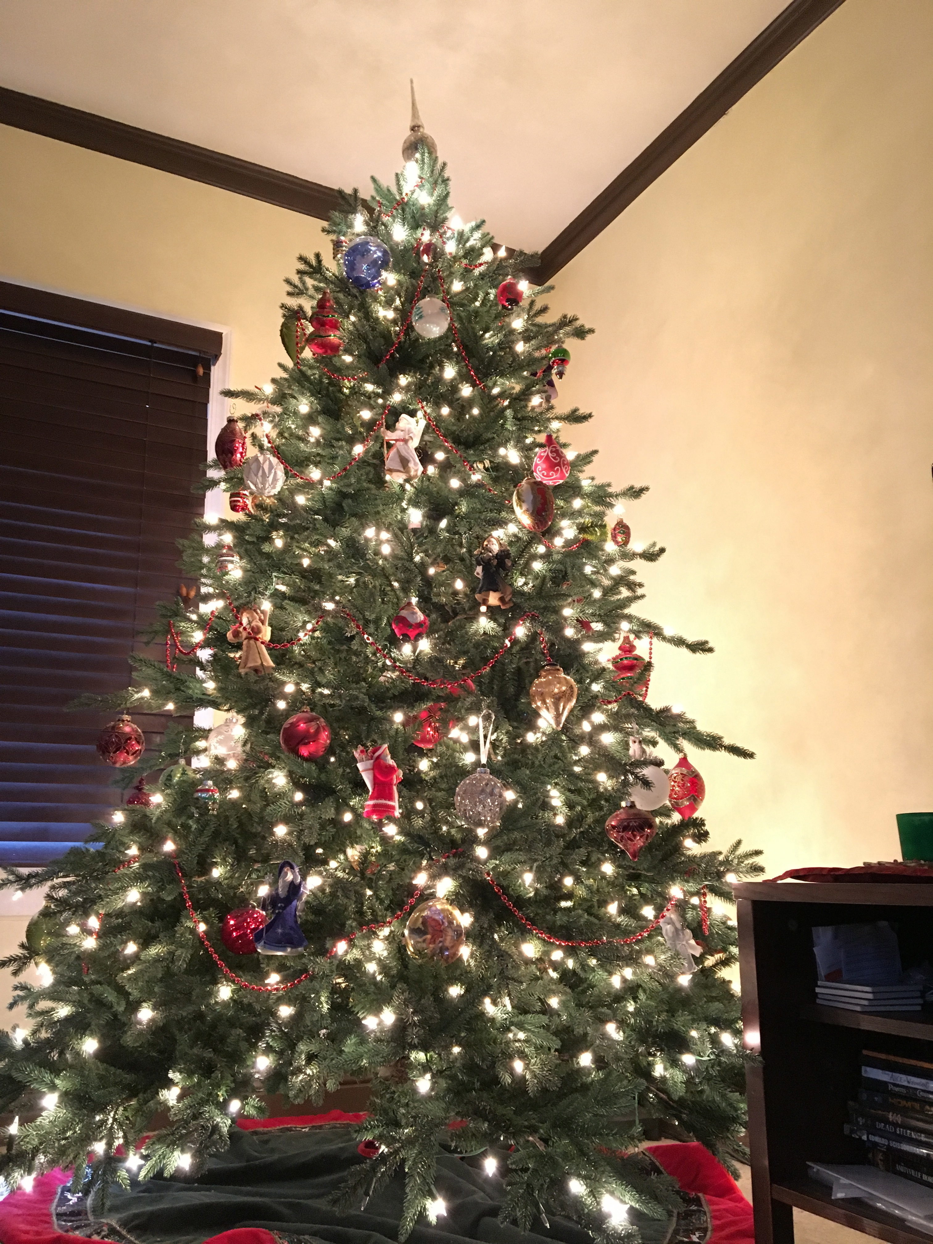 String Lights Christmas Tree Martha Stewart : 28 Best - Martha Stewart Christmas Tree Lights Not Working - a blue and green flocked tree ...