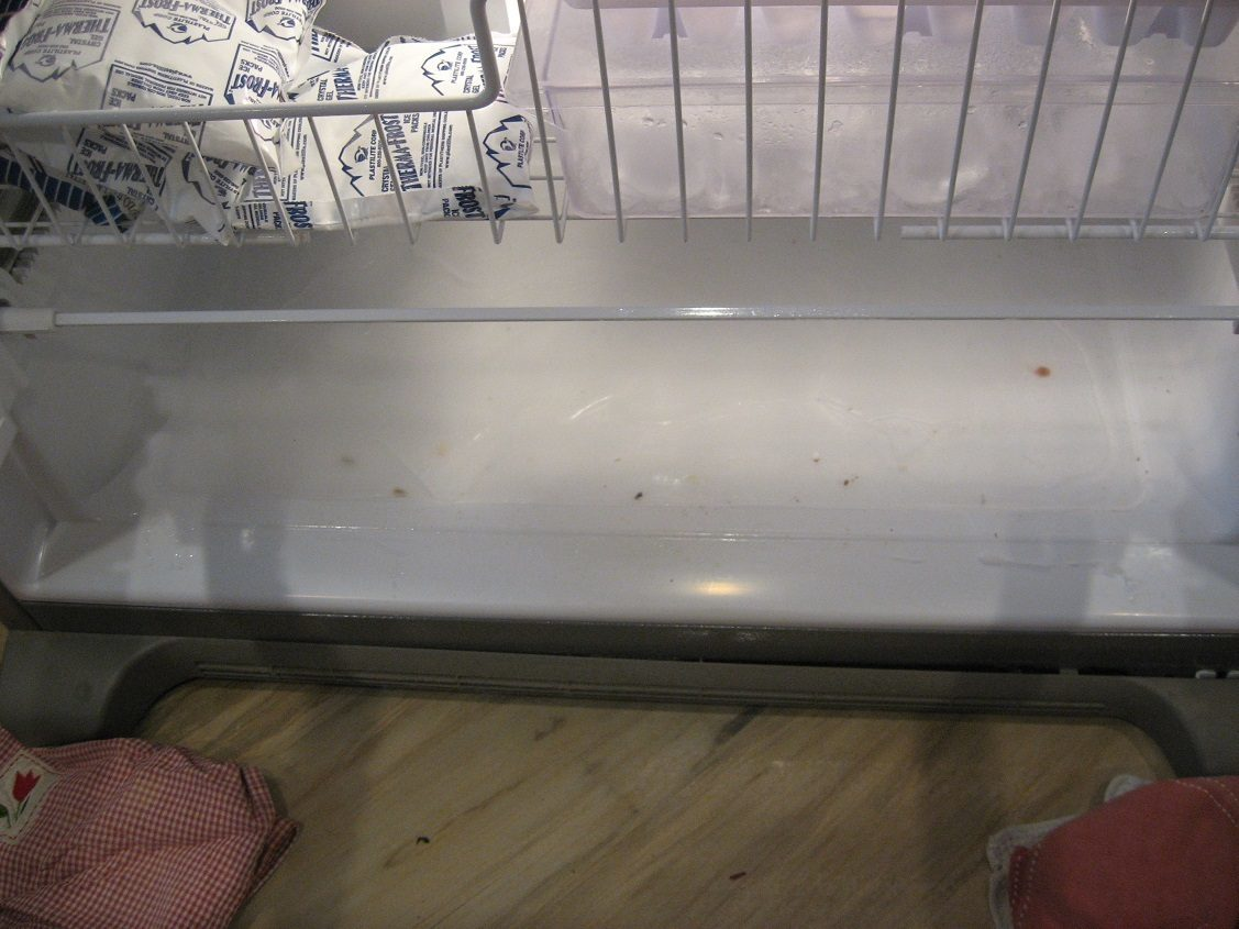 Maytag french door refrigerator reviews - Our 3 Year Old Maytag Refrigerator Mff2558veaz Is Forming A Sheet Of Ice On The Bottom Of The Freezer The Ice Partially Melts For Some Reason