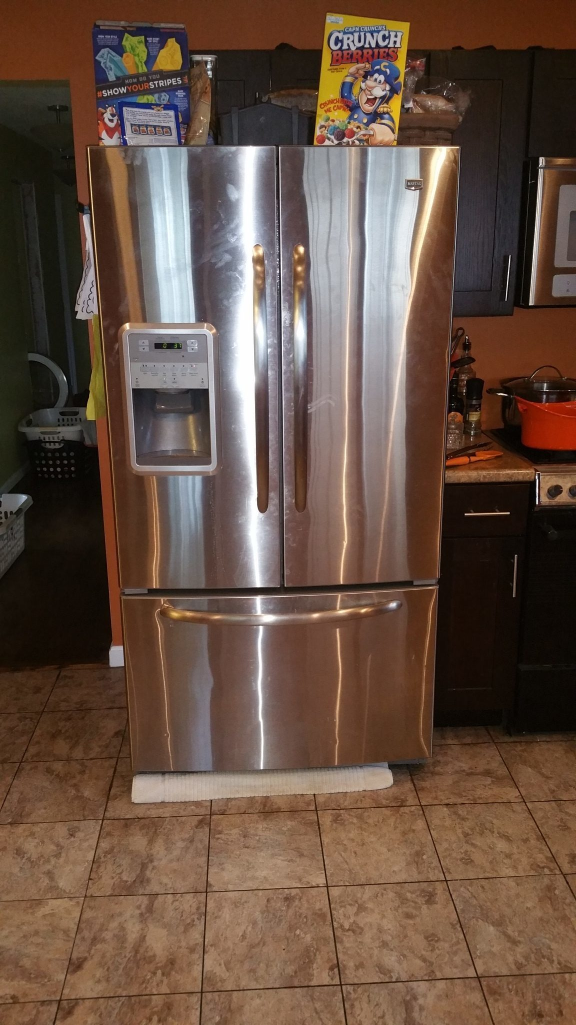 Maytag french door refrigerator reviews - The Icemaker Dropped A Piece Of Plastic Again As I Reported In 2013 And Now I Find Out The Bottom Pan Is Too Small That S Why It S Been Leaking Since I